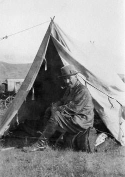 William Calder in camp, photographed by Christopher Cox on their first expedition to Phrygia in 1924